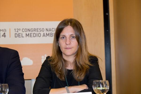 Elena Veza Martínez
